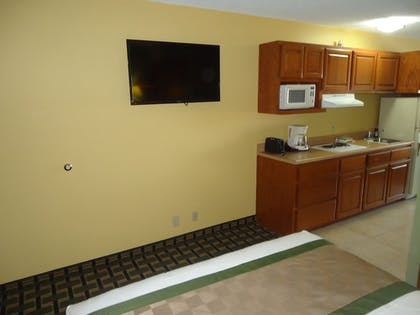 In-Room Kitchen |  | Town House Extended Stay Hotel Downtown