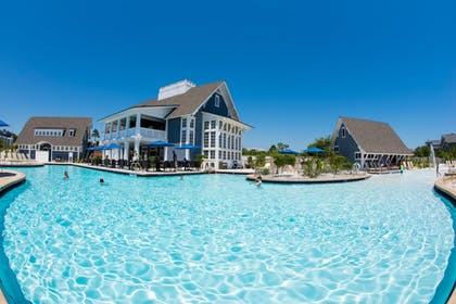 Outdoor Pool | WaterSound Inn