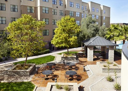 BBQ/Picnic Area | Residence Inn by Marriott Phoenix North/Happy Valley