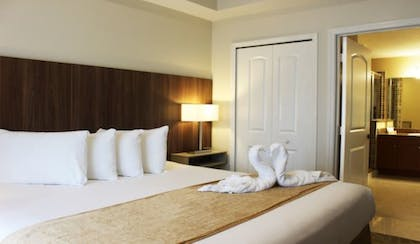 Room | The Point Hotel & Suites