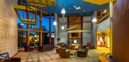 Lobby Sitting Area | Shanty Creek Resorts Cedar River Village