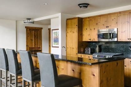   Suite, 2 Bedrooms (Front Four)   The Lodge at Spruce Peak