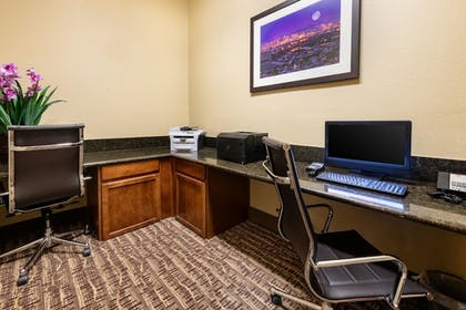 Business Center | Comfort Suites Goodyear