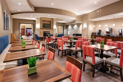 Breakfast Area | Comfort Suites Goodyear