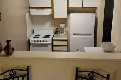 In-Room Kitchen | Affordable Corporate Suites Christiansburg