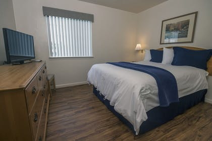 Guestroom | Affordable Corporate Suites Christiansburg