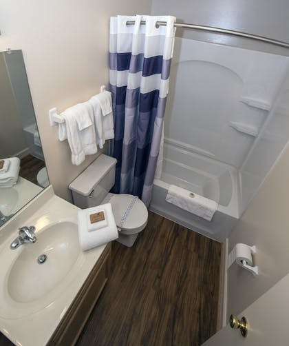 Bathroom | Affordable Corporate Suites Christiansburg