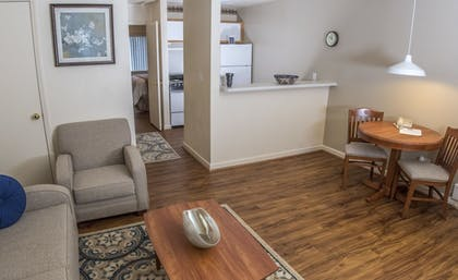 Living Room | Affordable Corporate Suites Christiansburg