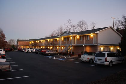 Exterior | Affordable Corporate Suites - Lynchburg