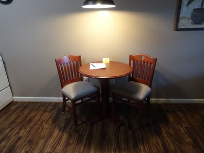 In-Room Dining | Affordable Corporate Suites - Lynchburg