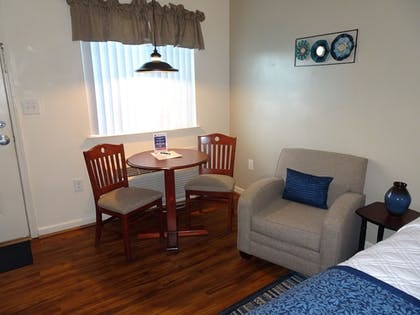Room | Affordable Corporate Suites - Lynchburg