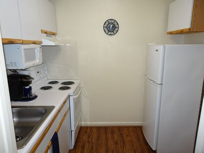Private Kitchen | Affordable Corporate Suites - Lynchburg