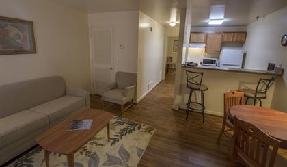Living Room | Affordable Corporate Suites - Florist Road