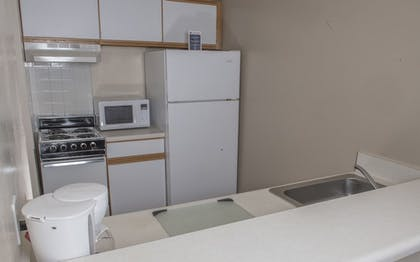 In-Room Kitchenette | Affordable Corporate Suites - Florist Road