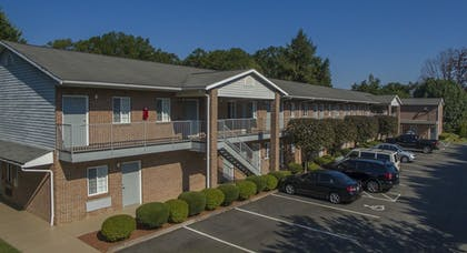 Hotel Front | Affordable Corporate Suites