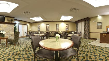 Breakfast Area | Holiday Inn Express & Suites Morris