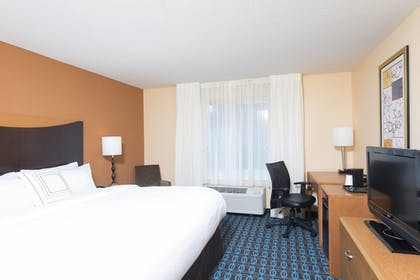 Guestroom | Fairfield Inn & Suites by Marriott Omaha Downtown