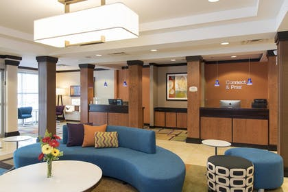 Lobby | Fairfield Inn & Suites by Marriott Omaha Downtown