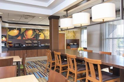 Restaurant | Fairfield Inn & Suites by Marriott Omaha Downtown