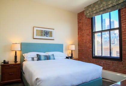 Guestroom | Fairmont Heritage Place, Ghirardelli Square