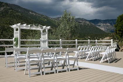 Outdoor Wedding Area | The Retreat on Charleston Peak