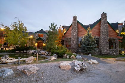 Hotel Front | The Retreat on Charleston Peak