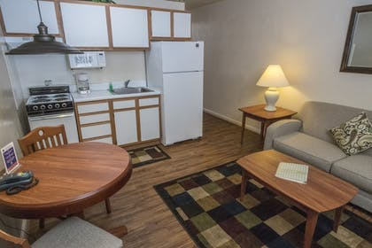 Living Area   Affordable Corporate Suites - Lanford