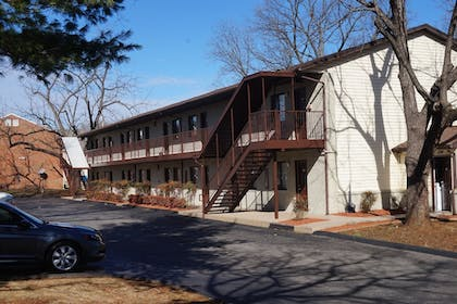 Hotel Front   Affordable Corporate Suites - Lanford