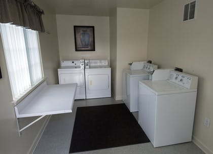 Laundry Room   Affordable Corporate Suites - Lanford