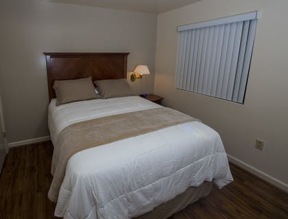 Guestroom | Affordable Corporate Suites - Lanford