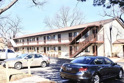 Parking | Affordable Corporate Suites - Lanford
