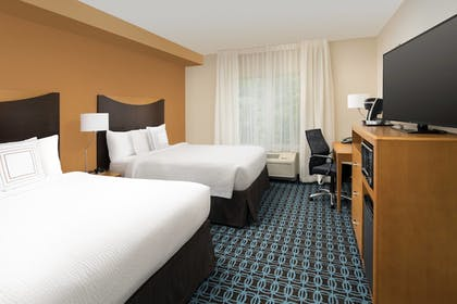 Guestroom | Fairfield Inn by Marriott Washington D.C.