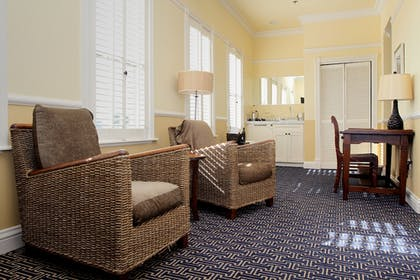 | Suite, 1 King Bed | Majestic Inn & Spa