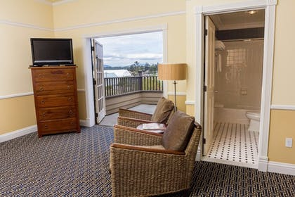 | Suite, 2 Double Beds | Majestic Inn & Spa