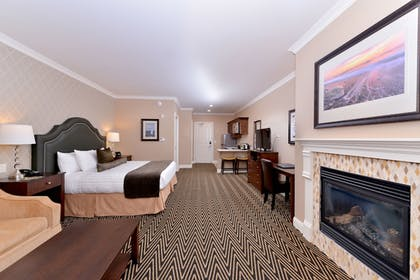   Grand Suite, 1 King Bed with Sofabed   Majestic Inn & Spa