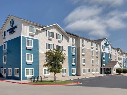 Hotel Front | WoodSpring Suites Indianapolis Lawrence