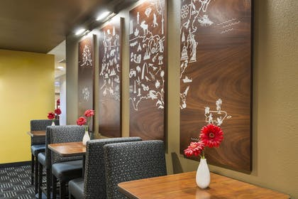Restaurant | TownePlace Suites by Marriott Pensacola