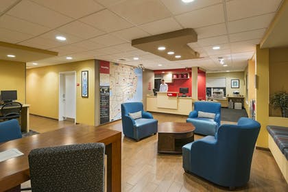Lobby | TownePlace Suites by Marriott Pensacola