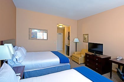 Guestroom | Holiday Inn Express Hotel & Suites Tucson