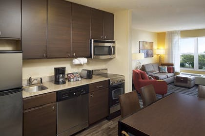 Private Kitchen | TownePlace Suites by Marriott Jacksonville