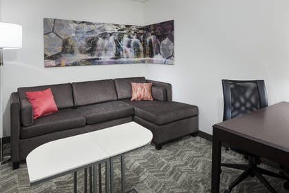 Living Room | SpringHill Suites by Marriott Columbus