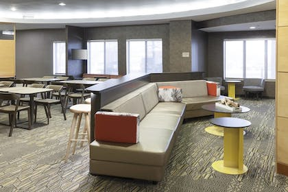 Lobby Lounge | SpringHill Suites by Marriott Columbus