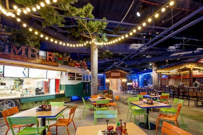 Family Dining | Great Wolf Lodge Illinois