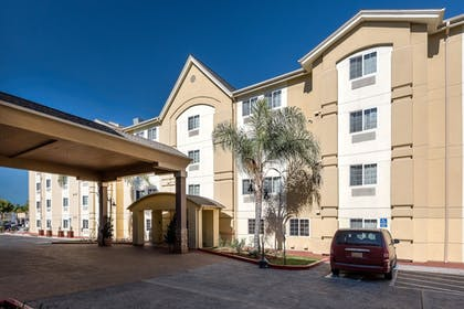 Featured Image   Candlewood Suites LAX Hawthorne