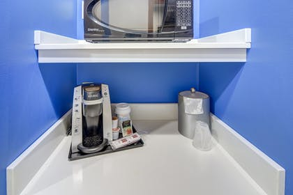 Coffee and/or Coffee Maker | Holiday Inn Express & Suites Foley