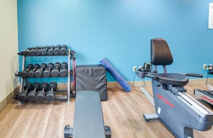 Fitness Facility | Holiday Inn Express & Suites Foley