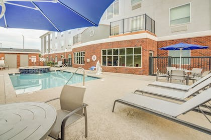 Sundeck | Holiday Inn Express & Suites Foley