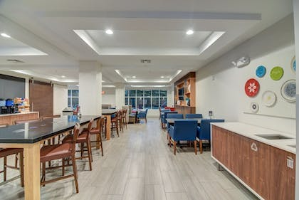 Restaurant | Holiday Inn Express & Suites Foley