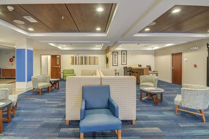 Interior | Holiday Inn Express & Suites Foley