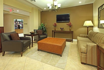 Interior | Candlewood Suites Fayetteville – University of Arkansas
